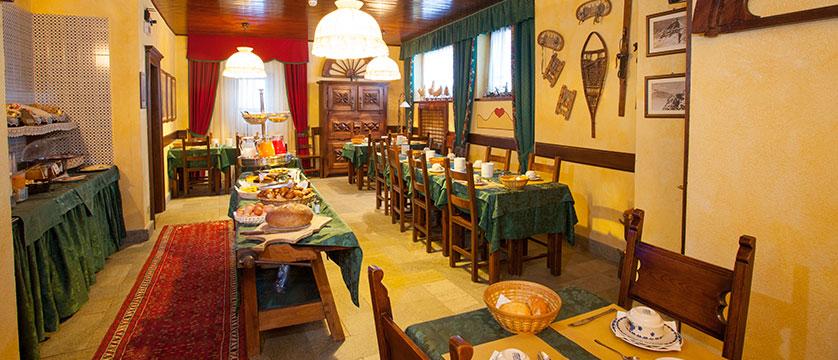 Italy_Cervinia_Hotel_juneaux_breakfast.jpg